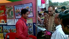 Secretary visits YPSA stall at Ramu