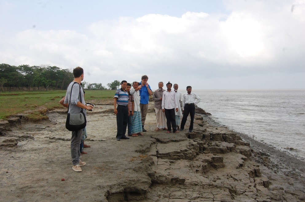 Visitors visited river erosion effected area at kalapania in Sandwip