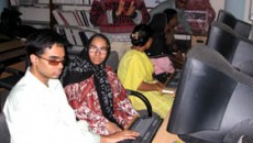 Visually impaired students in Dhaka University receive ICT training