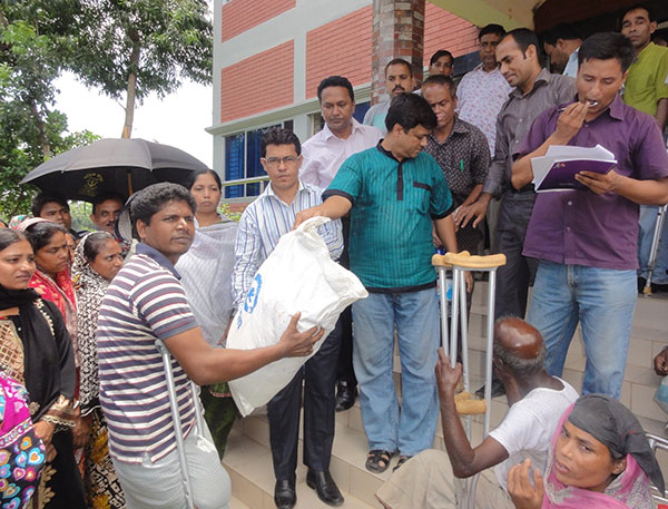 Food distribution among the persons with disability at Sitakund