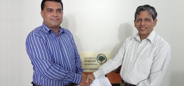 Contract singing between Mr.Farid Uddin Ahmed , Executive Director of Arannayk Foundation (AF) and Mr.Md. Arifur Rahman, Chief Executive of YPSA