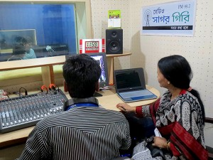 Visitor and technical producers at the Radio Sagor Giri Studio