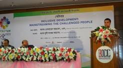 Chief Executive of YPSA Md. Arifur Rahman presenting the concept paper