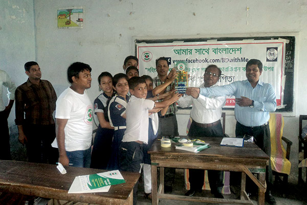 Prize distribution among the students