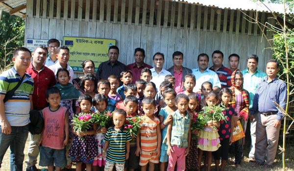 Group photo with children