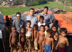 Group photo with Rohingya refugee