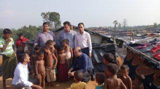YPSA team talks to the Rohingya children