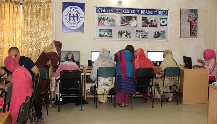 Women at IRCD lab