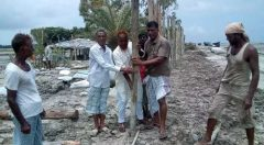 Community Team members working voluntary for Embankment protection at Kutubdia