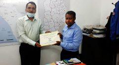 Commissioner receiving Flipcharts