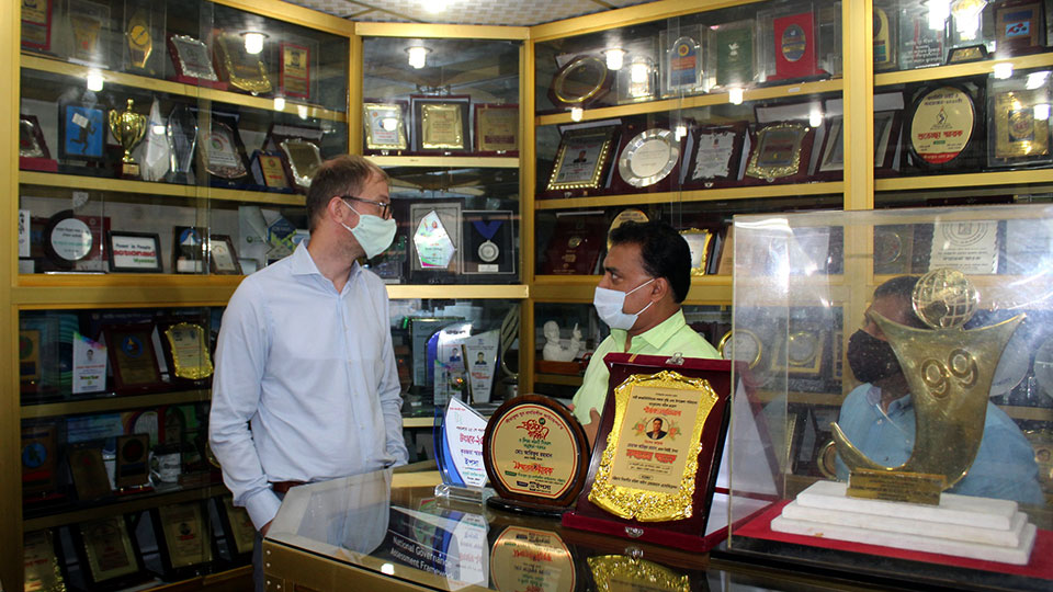 Country Director visits YPSA Information Center